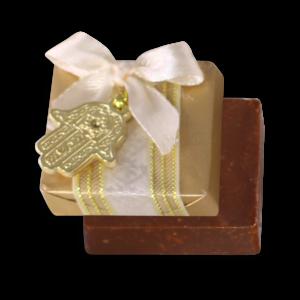 Carré chocolat au lait concassé noisette_décoré_3dt